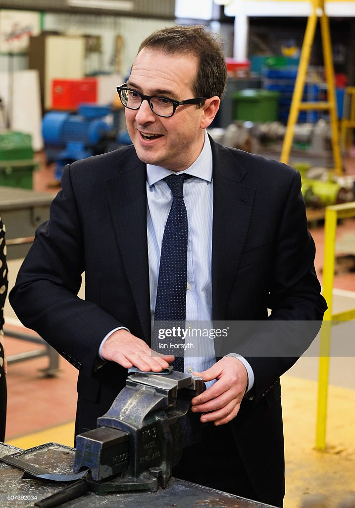 Owen Smith MP Labour's Shadow Work and Pensions Secretary speaks to apprentices as he visits the TTE Training facility on January 29 2016 in...