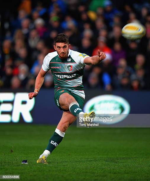 Owen Williams of Leicester Tigers kicking a conversion during the Aviva Premiership match between Worcester Warriors and Leicester Tigers at Sixways...