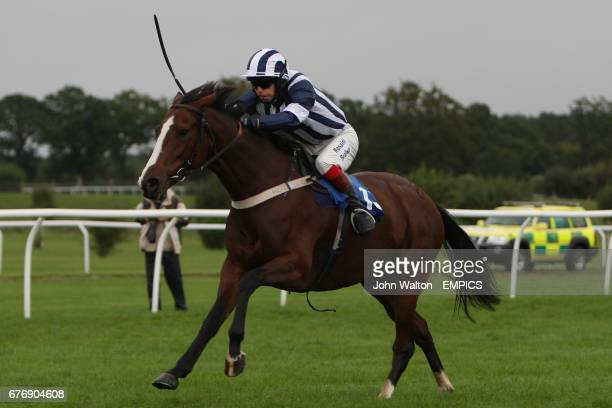 Owls Fc ridden by Joseph Cornwall during the Betfair iPhone Android App Handicap Chase