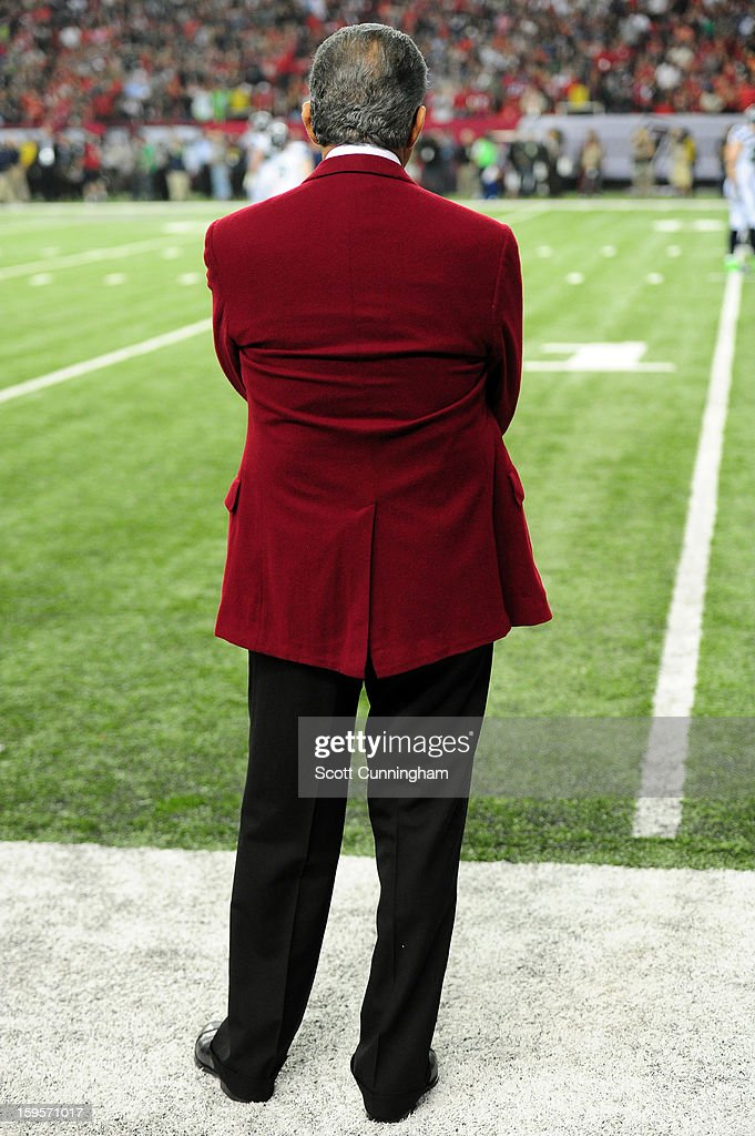 Owner Arthur Blank of the Atlanta Falcons paces the sidelines during the fourth quarter of the NFC Divisional Playoff Game against the Seattle...