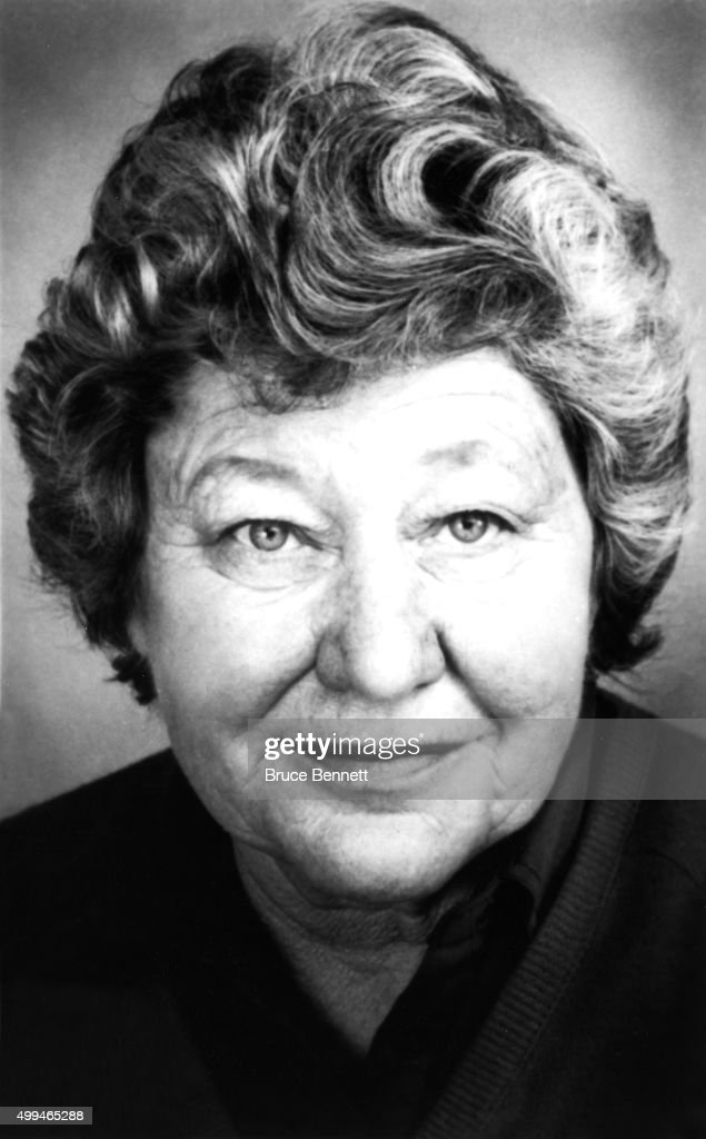 Owner <a gi-track='captionPersonalityLinkClicked' href=/galleries/search?phrase=Marge+Schott&family=editorial&specificpeople=1106356 ng-click='$event.stopPropagation()'>Marge Schott</a> of the Cincinnati Reds poses for a portrait in March, 1988 in Cincinnati, Ohio.
