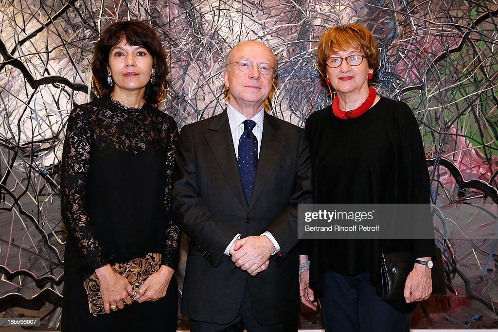 Owners of Gallery Nathalie Obadia with her husband Daniel Tamplon and director of the Tama Museum of Tel Aviv Suzanne Landau attend the dinner of the friends of the 'Musee d'Art Moderne de la ville de Paris' on October 22, 2013 in Paris, France.