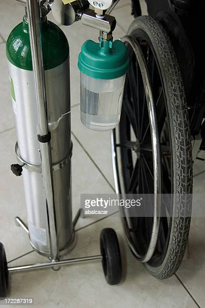 oxigen and wheelchair