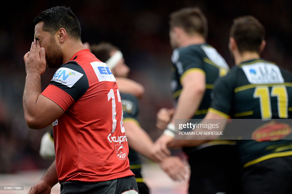 Oyonnaxs New Zealand centre Roimata Hansell-Pune reacts during the French Top 14 Rugby Union match between Oyonnax and La Rochelle on April 30, 2016 at the Charles-Mathon stadium in Oyonnax, central-eastern France. / AFP / ROMAIN