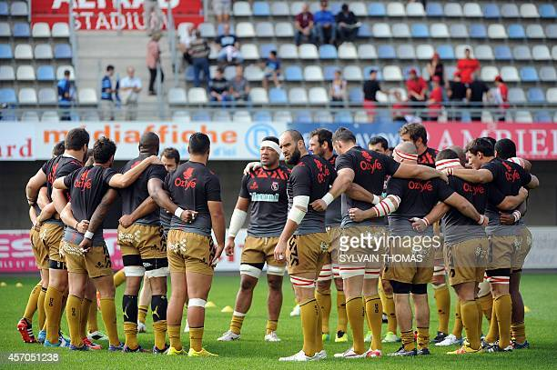 Oyonnax's players warm up before the French Top 14 rugby Union match Montpellier vs Oyonnax on October 11 at the Altrad stadium in the French...