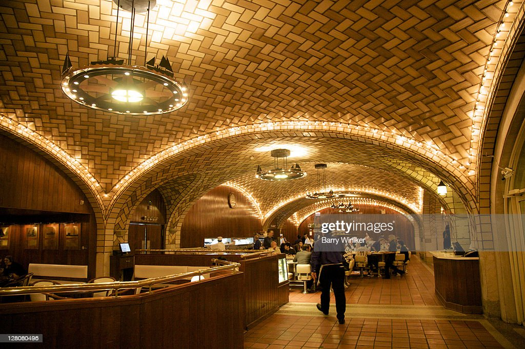 Oyster Bar in Grand Central Station, Vaulted ceiling clad in Guastavino tiles, New York, NY