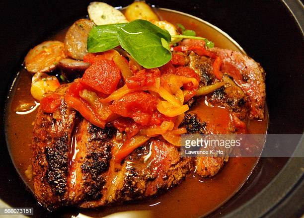HOLLYWOOD MAR 17 2010 10 oz seared flat iron steak sofrito fingerling potatoes La Vida restaurant a new California–influenced Spanish restaurant in...