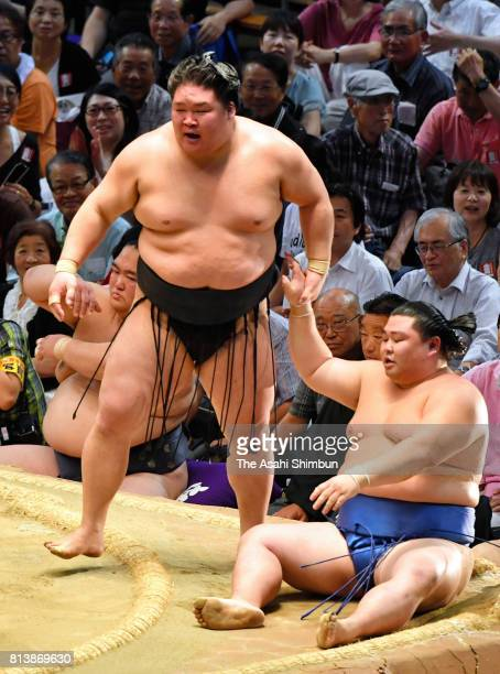 Ozeki Goeido reacts after his victory over Shodai during day five of the Grand Sumo Nagoya Torunament at Aichi Prefecture Gymnasium on July 13 2017...