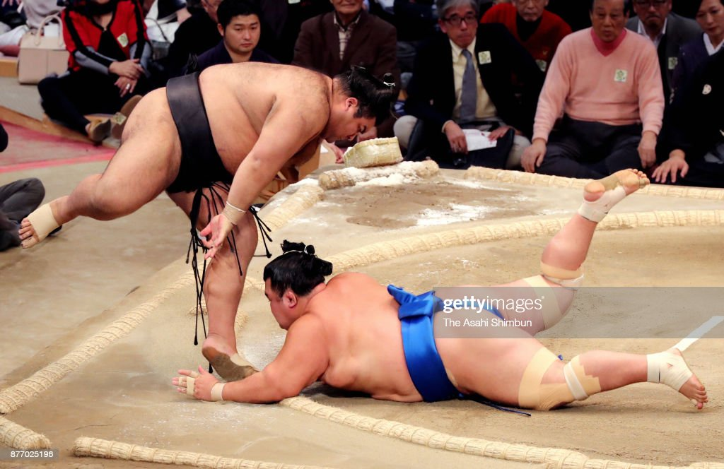 Grand Sumo Kyushu Tournament - Day 10