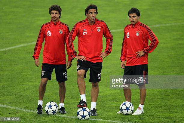 Pablo Aimar Nuno Gomez and Javier Saviola are seen during a SL Benfica training session ahead of the UEFA Champions League match against FC Schalke...