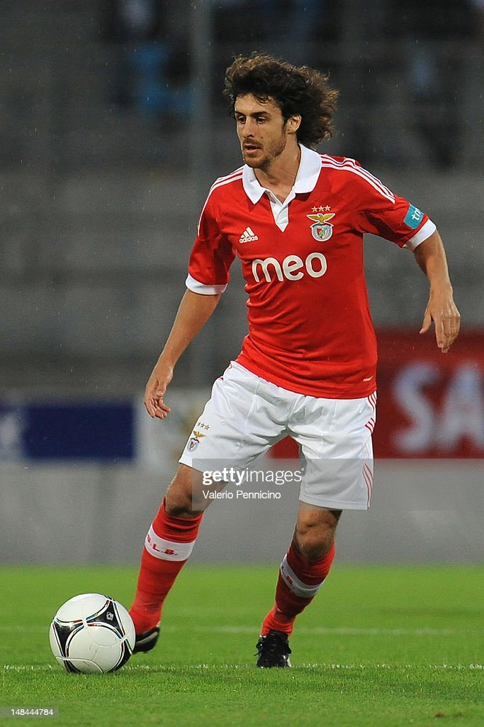 <a gi-track='captionPersonalityLinkClicked' href=/galleries/search?phrase=Pablo+Aimar&family=editorial&specificpeople=216627 ng-click='$event.stopPropagation()'>Pablo Aimar</a> of SL Benfica in action during a pre season friendly match between SL Benfica and Olympique Marseille at Estadio Tourbillon on July 13, 2012 in Sion, Switzerland.