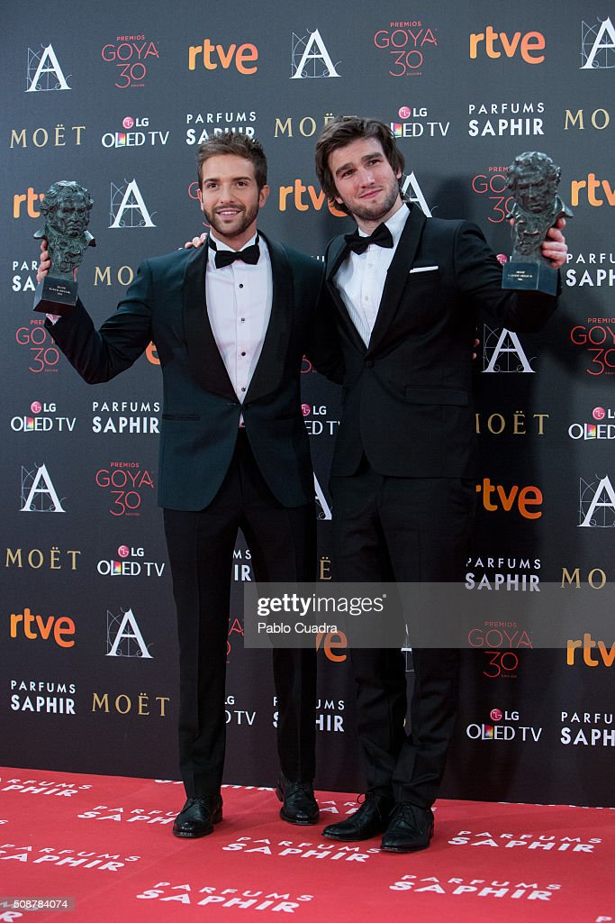 <a gi-track='captionPersonalityLinkClicked' href=/galleries/search?phrase=Pablo+Alboran&family=editorial&specificpeople=7512466 ng-click='$event.stopPropagation()'>Pablo Alboran</a> and Lucas Vidal hold the awards for best original song during the 30th edition of the Goya Cinema Awards at Madrid Marriott Auditorium on February 6, 2016 in Madrid, Spain.
