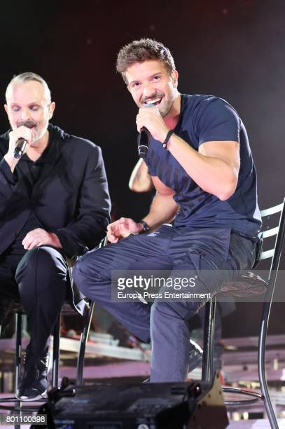 Pablo Alboran and Miguel Bose perform during his concert in Madrid at the Palacio de los Deportes on June 23 2017 in Madrid Spain