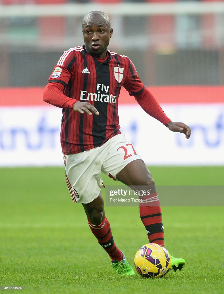 <a gi-track='captionPersonalityLinkClicked' href=/galleries/search?phrase=Pablo+Armero&family=editorial&specificpeople=631297 ng-click='$event.stopPropagation()'>Pablo Armero</a> of AC Milan in action during the Serie A match between AC Milan and Atalanta BC at Stadio Giuseppe Meazza on January 18, 2015 in Milan, Italy.