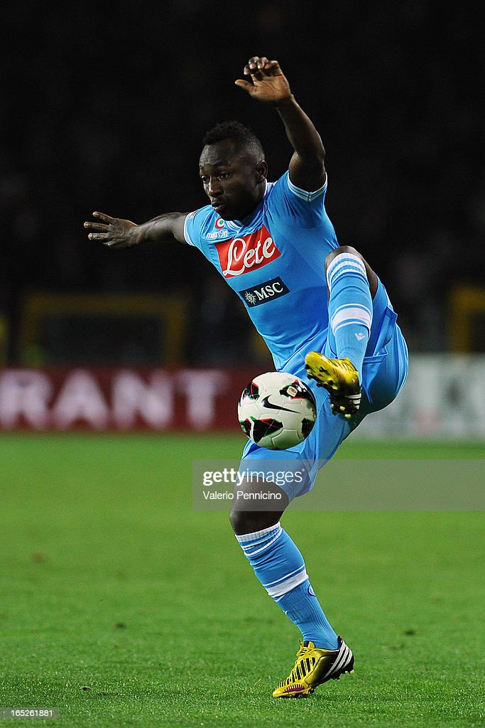 Pablo Armero of SSC Napoli in action during the Serie A match between Torino FC and SSC Napoli at Stadio Olimpico di Torino on March 30, 2013 in Turin, Italy.