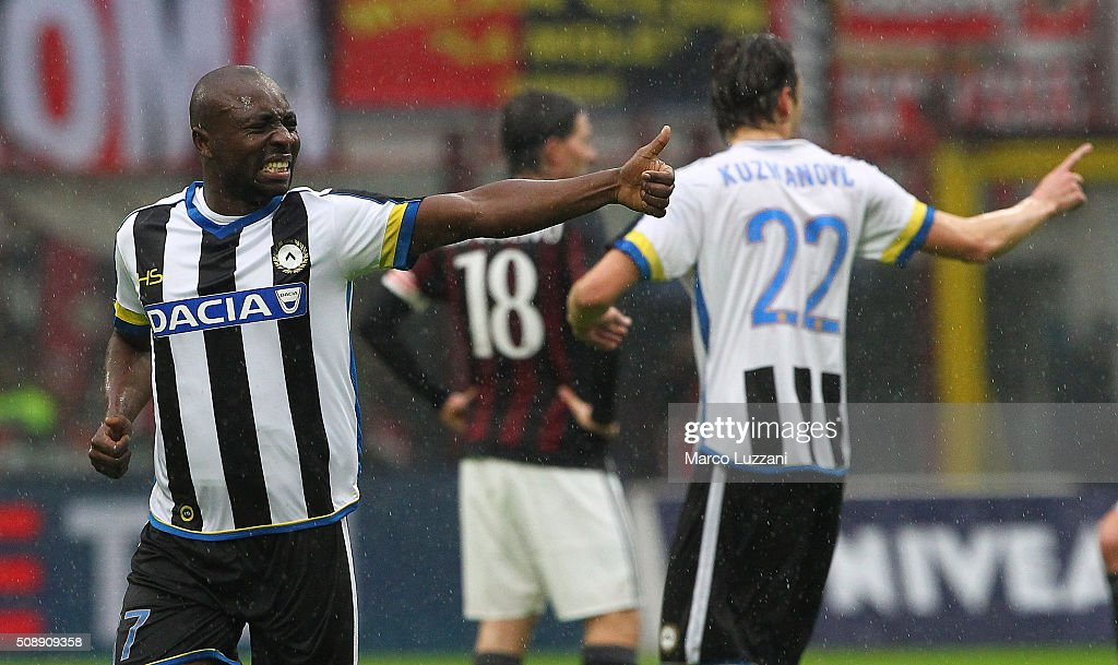 <a gi-track='captionPersonalityLinkClicked' href=/galleries/search?phrase=Pablo+Armero&family=editorial&specificpeople=631297 ng-click='$event.stopPropagation()'>Pablo Armero</a> of Udinese Calcio celebrates after scoring the opening goal during the Serie A match between AC Milan and Udinese Calcio at Stadio Giuseppe Meazza on February 7, 2016 in Milan, Italy.