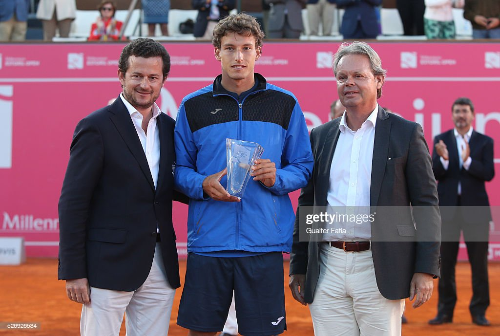 Pablo Carreno Busta from Spain receives trophy at the end of the singles final match between Pablo Carreno Busta from Spain and Nicolas Almagro from Spain for Millennium Estoril Open at Clube de Tenis do Estoril on May 1, 2016 in Estoril, Portugal.