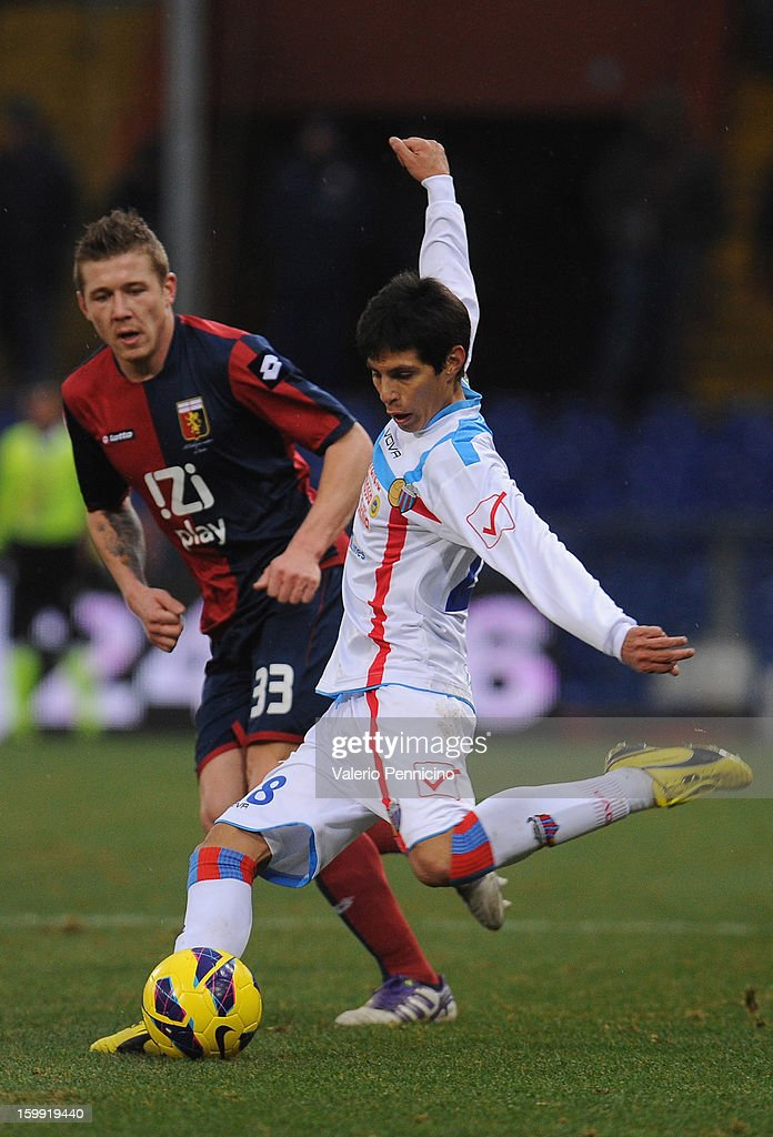 Pablo Cesar Barrientos (R) of Calcio Catania in action during the Serie A match between Genoa CFC and Calcio Catania at Stadio Luigi Ferraris on January 20, 2013 in Genoa, Italy.