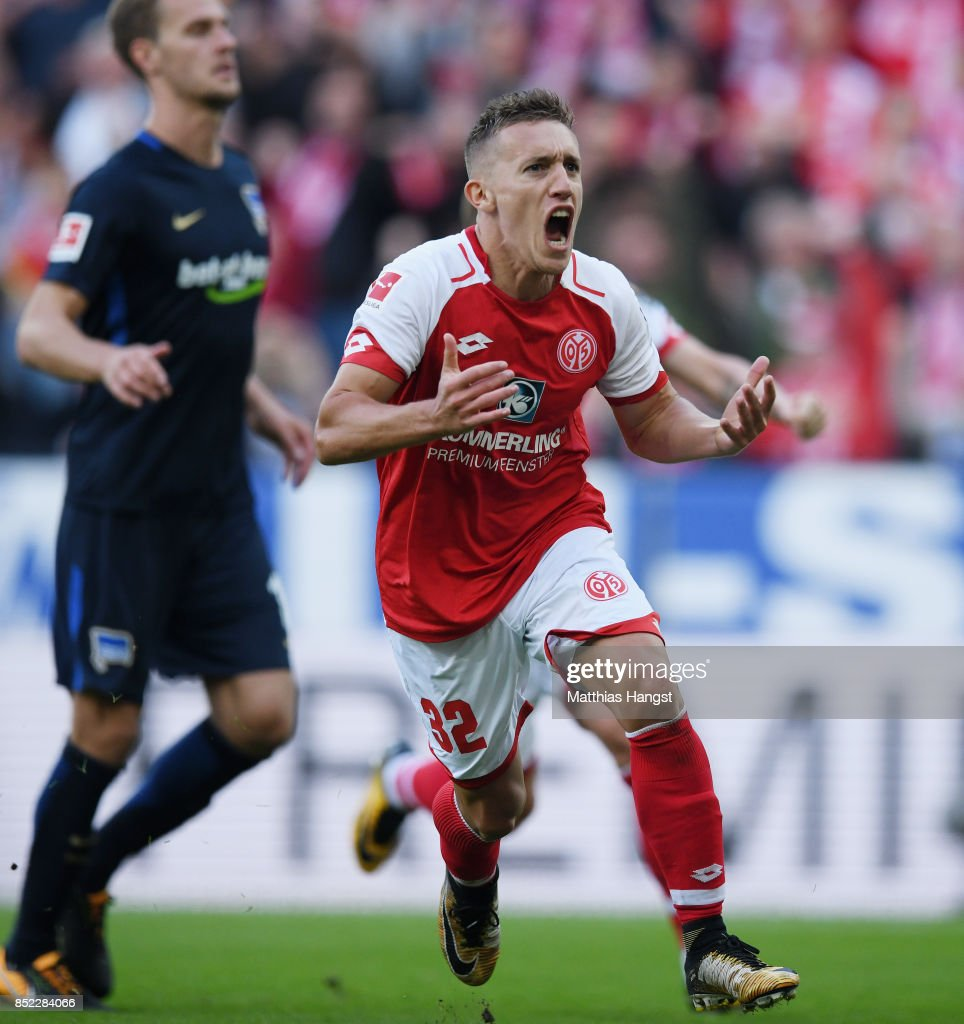 Pablo de Blasis of Mainz celebrates after scoring his team's first goal during the Bundesliga match between 1. FSV Mainz 05 and Hertha BSC at Opel Arena on September 23, 2017 in Mainz, Germany.