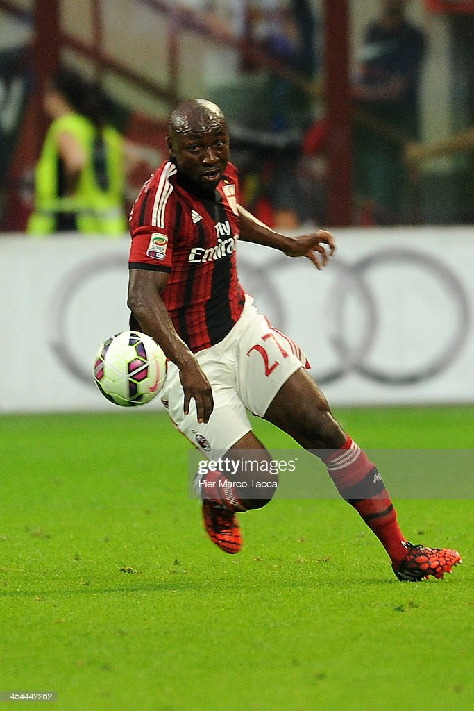 Pablo Estifer Armero of AC Milan in action during the Serie A match between AC Milan and SS Lazio at Stadio Giuseppe Meazza on August 31, 2014 in Milan, Italy.