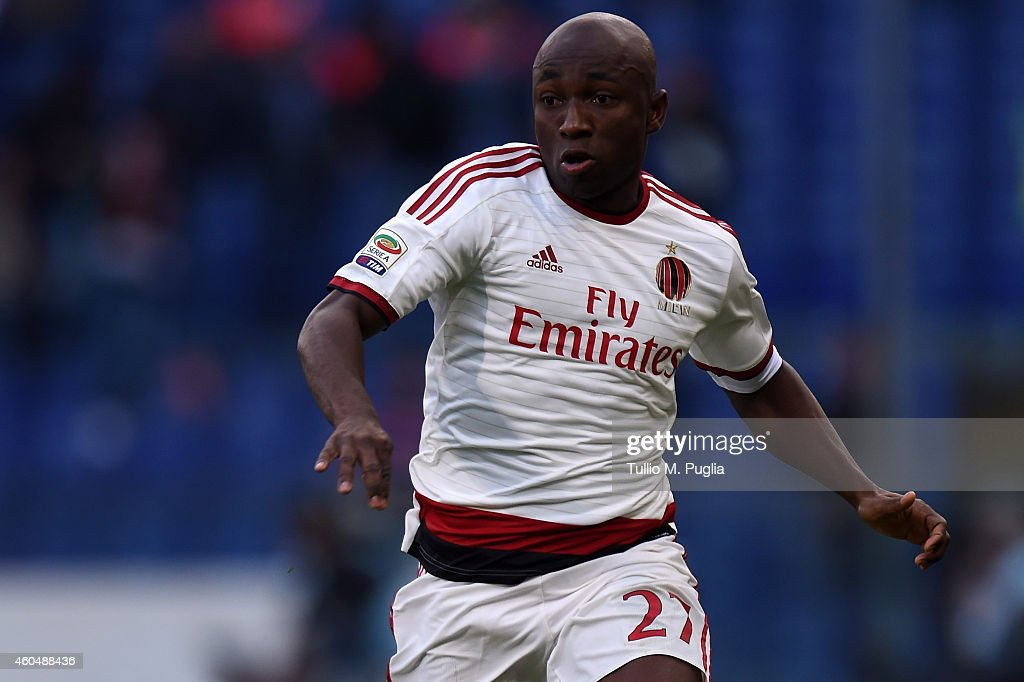 Pablo Estifer Armero of Milan in action during the Serie A match between Genoa CFC and AC Milan at Stadio Luigi Ferraris on December 7, 2014 in Genoa, Italy.