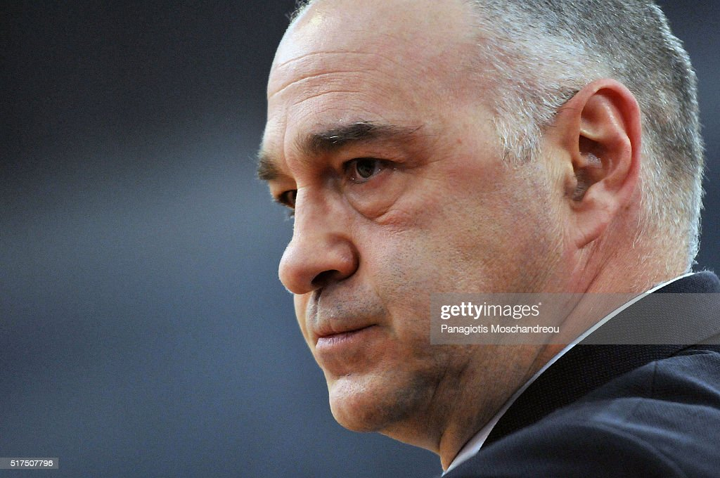 <a gi-track='captionPersonalityLinkClicked' href=/galleries/search?phrase=Pablo+Laso&family=editorial&specificpeople=8393239 ng-click='$event.stopPropagation()'>Pablo Laso</a>, Head Coach of Real Madrid react during the 2015-2016 Turkish Airlines Euroleague Basketball Top 16 Round 12 game between Olympiacos Piraeus v Real Madrid at Peace and Friendship Stadium on March 25, 2016 in Heraklion, Crete, Greece.