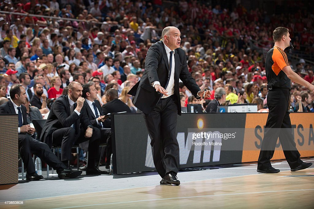 <a gi-track='captionPersonalityLinkClicked' href=/galleries/search?phrase=Pablo+Laso&family=editorial&specificpeople=8393239 ng-click='$event.stopPropagation()'>Pablo Laso</a>, Head Coach of Real Madrid reacts during the Turkish Airlines Euroleague Final Four Madrid 2015 Final Game between Real Madrid vs Olympiacos Piraeus at Barclaycard Center on May 17, 2015 in Madrid, Spain.
