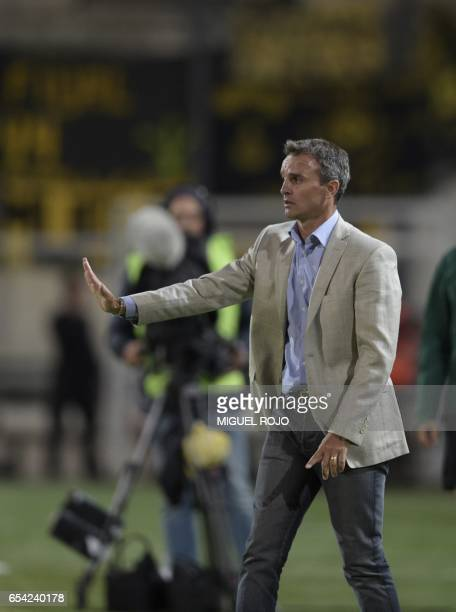 Pablo Lavallen Argentina's Atletico Tucuman coach gestures during their Libertadores Cup football match against Uruguay's Penarol at the Campeon del...