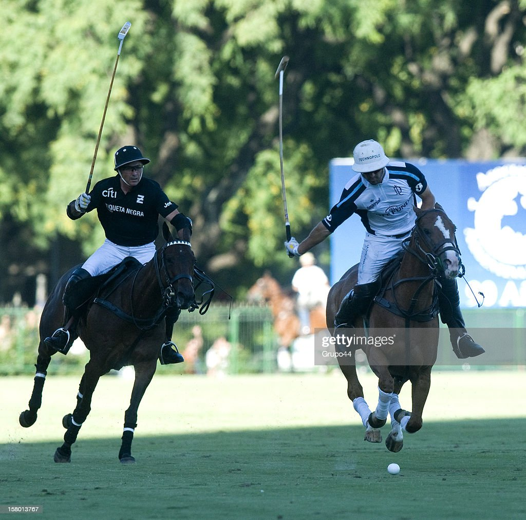 Pablo Mac Donough of La Dolfina in action during a polo match between La Dolfina and Ellerstina as part of the 119th Argentina Open Polo Championship Final on December 08, 2012 in Buenos Aires, Argentina.