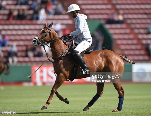 Pablo Mac Donough of La Dolfina warms up prior to a match between La Dolfina and La Irenita as part of the HSBC 124° Argentina Polo Open at Campo...