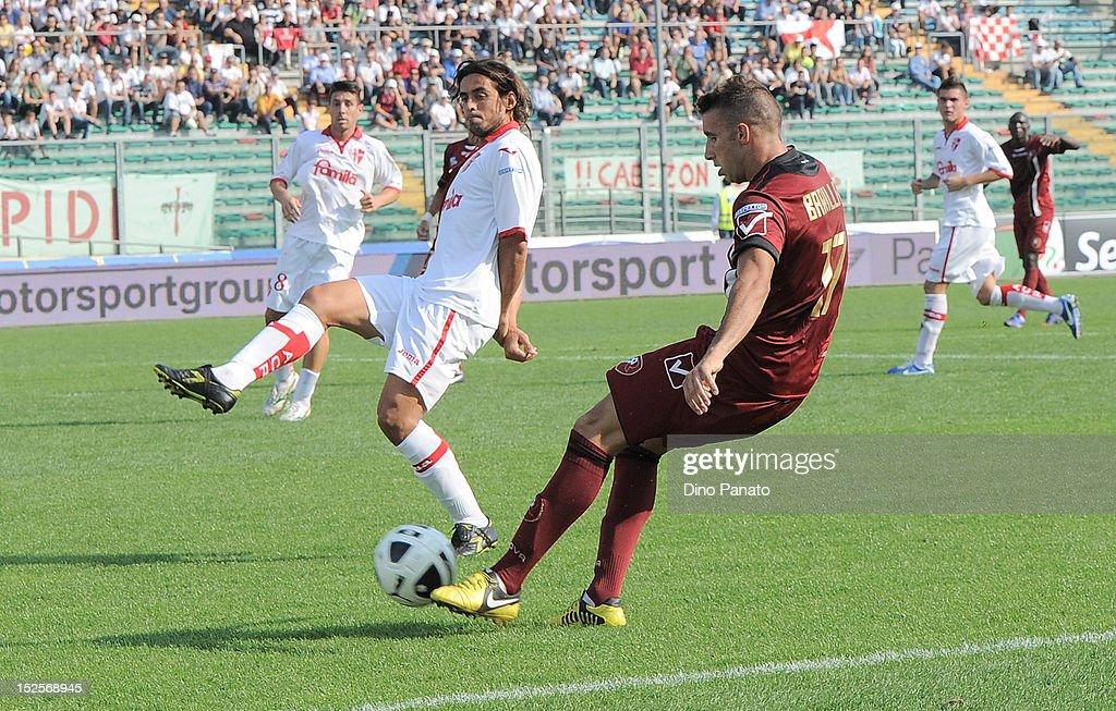 Pablo Mariano Granoche (L) of Padova competes with Antonino Barilla' of Reggina during the Serie B match between Calcio Padova and Reggina Calcio at Stadio Euganeo on September 22, 2012 in Padova, Italy.