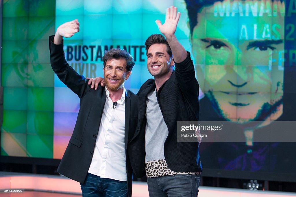 ¿Cuánto mide Pablo Motos? - Estatura real: 1,65 - Real height Pablo-motos-and-david-bustamante-attend-el-hormiguero-tv-show-at-on-picture-id461496856