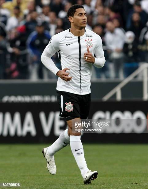 Pablo of Corinthians run during the match between Corinthians and Botafogo for the Brasileirao Series A 2017 at Arena Corinthians Stadium on July 02...