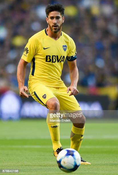 Pablo Perez of Boca Juniors drives the ball during a match between Boca Juniors and Racing Club as part of the Superliga 2017/18 at Alberto J Armando...