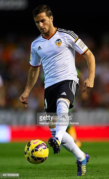 Pablo Piatti of Valencia controls the ball during the La Liga match between Valencia CF and Elche CF at Estadio Mestalla on October 25 2014 in...