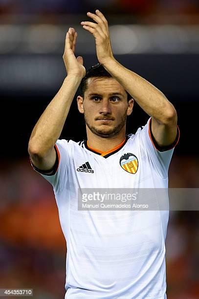 Pablo Piatti of Valencia salutes the fans prior to the start the La Liga match between Valencia CF and Malaga CF at Estadi de Mestalla on August 29...