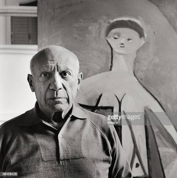Pablo Picasso in his mansion 'La Californie' in Cannes Photography Frankreich 1957 [Pablo Picasso in seiner Villa 'La Californie' in Cannes...