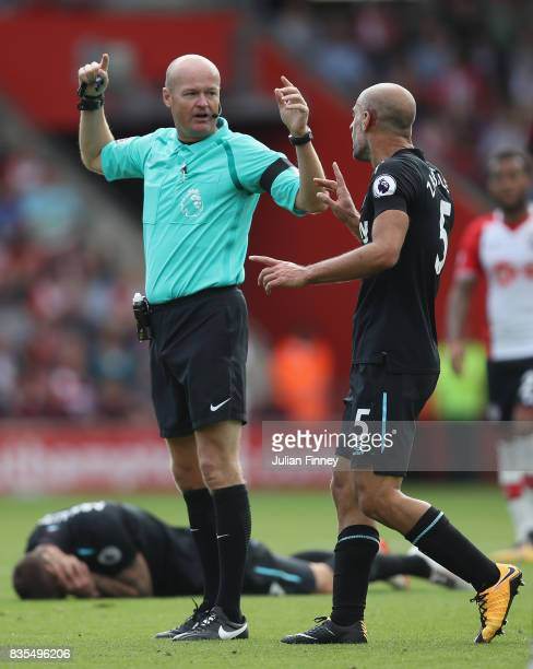 Pablo Zabaleta of West Ham United argues with referee Lee Mason during the Premier League match between Southampton and West Ham United at St Mary's...