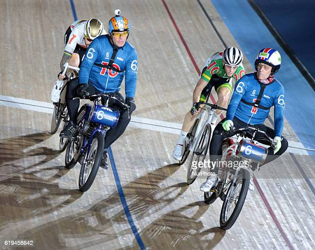 LR Pacer Michel Vaarten with Sir Bradley Wiggins and Pacer Peter Bauerlein with Cameron Meyer compete in the 60 Lap Dernyduring day six of the Six...