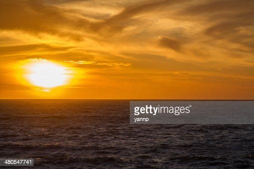 Puesta de sol en el Pacífico : Foto de stock