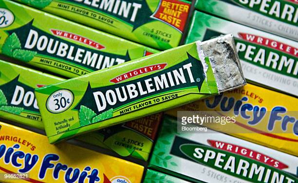 Packs of Wrigley chewing gum are displayed in Westerville Ohio Tuesday Feb 6 2007 Mars Inc and Warren Buffett's Berkshire Hathaway Inc may be close...