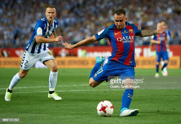 Paco Alcacer of Barcelona scores his team's third goal during the Copa Del Rey Final match between FC Barcelona and Deportivo Alaves at Vicente...