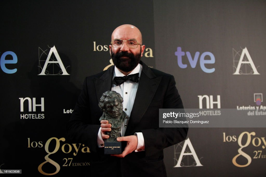 Paco Delgado holds his award for Best Costume Design in the film Blancanieves during the 2013 edition of the 'Goya Cinema Awards' ceremony at Centro de Congresos Principe Felipe on February 17, 2013 in Madrid, Spain.