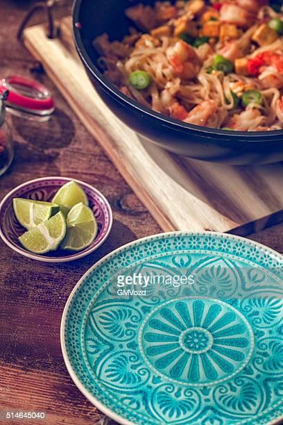 Pad Tailandese spaghetti con gamberi