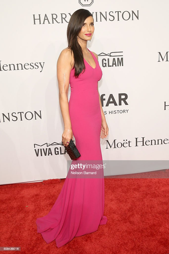 <a gi-track='captionPersonalityLinkClicked' href=/galleries/search?phrase=Padma+Lakshmi&family=editorial&specificpeople=201593 ng-click='$event.stopPropagation()'>Padma Lakshmi</a> attends the 2016 amfAR New York Gala at Cipriani Wall Street on February 10, 2016 in New York City.