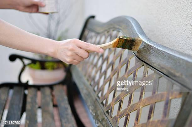 Paint an Outdoor Wooden Bench
