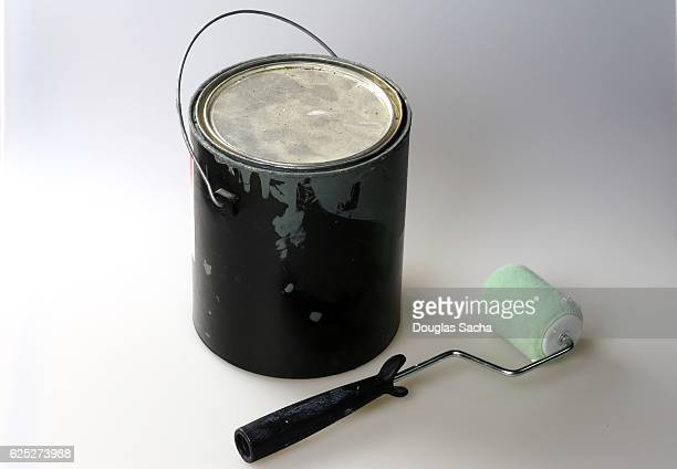 Paint can and Roller