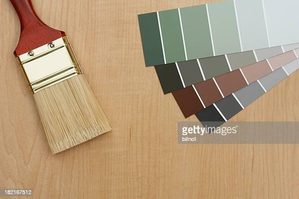 Couleurs de peinture et pinceau