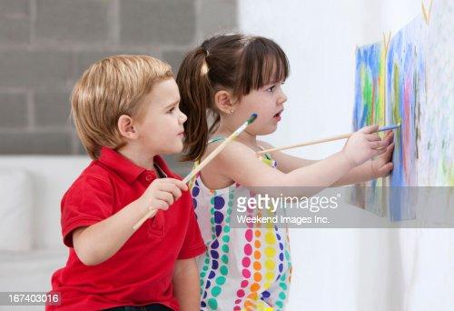 Painting kids : Stockfoto