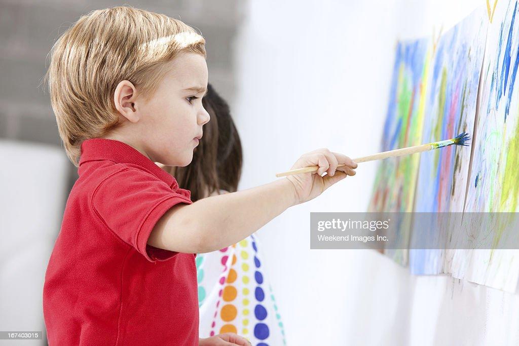 Gemälde Kleinkinder : Stock-Foto